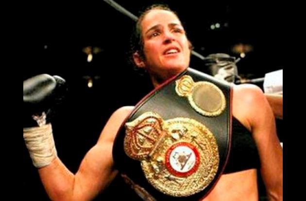 Kina Malpartida, campeona superpluma de la Asociación Mundial de Boxeo (AMB)
