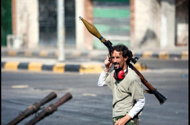Libia: siguen revueltas y represión del régimen de Gadafi.