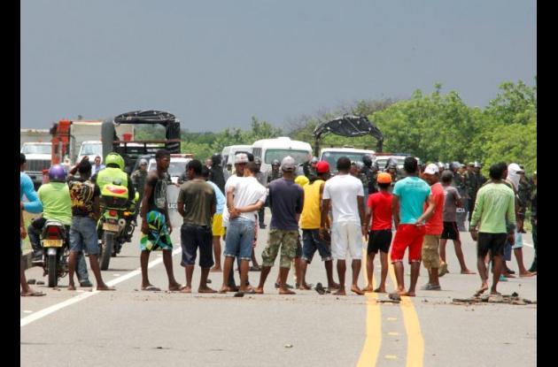 En Loma de Arena hubo bloqueos ayer exigiendo el arreglo de la vía. Gobernación dice que trabajos comenzaron el 28 de agosto