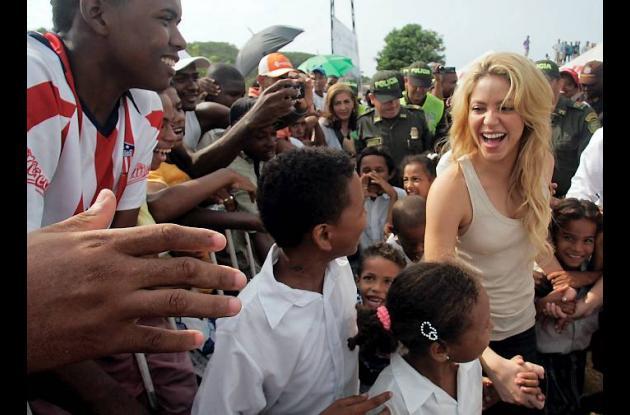 El 11 de abril de este año, Shakira puso la primera piedra de su megacolegio.