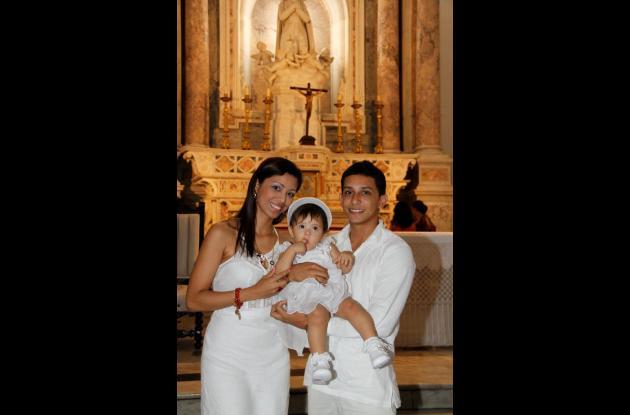 Bautizo y primer año de Mary Anne Coneo Casilla