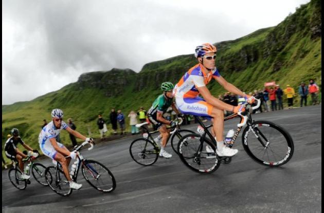 El español Luis León Sánchez, del equipo Rabobank, ganó la novena etapa del Tour