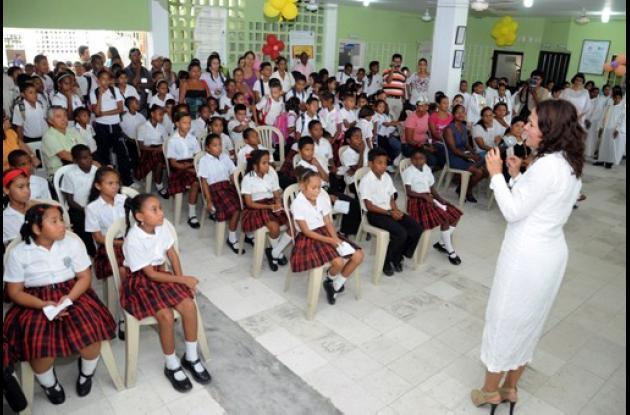Inauguran obras en IE Madre Gabriela de San Martín