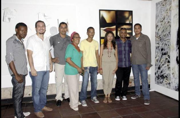 Algunos de los artistas participantes de la colectiva Ideas/Mundos
