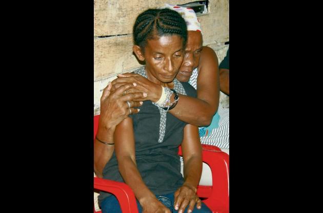 Serapia Osuna, madre de la víctima, llora la muerte de  su hijo por culpa de las