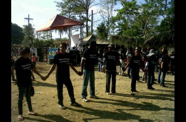 Con cadena humana la comunidad de Mampuján, Las Brisas, San Cayetano, entre otra