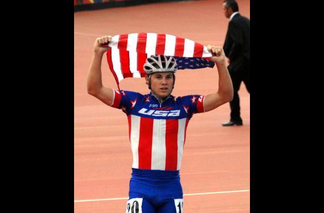 Joe Mantia, patinador de Estados Unidos.