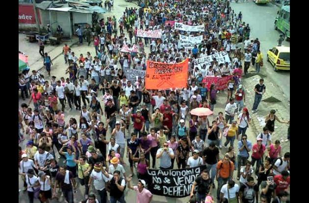 La protesta estudiantil contra la reforma de la Ley 30 de 1992 o de educación su