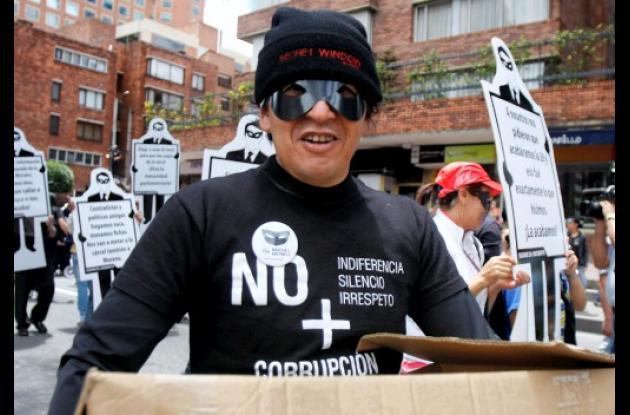"""La denominada """"Marcha de los antifaces"""" se realizó en más de 20 ciudades."""