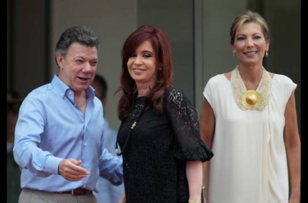 El presidente Santos con la presidenta de Argentina, Cristina Fernández, María C