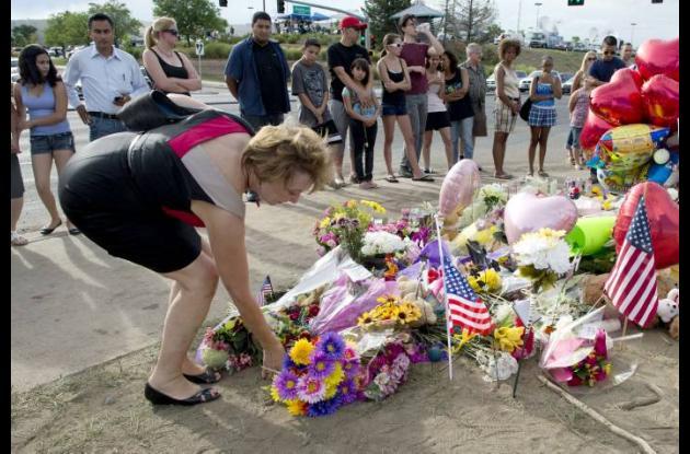 memorial de las victimas atentado estreno batman