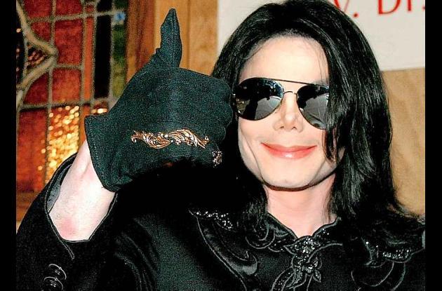 Adicción de Michael Jackson a los sedantes tiene a su médico en el estrado.
