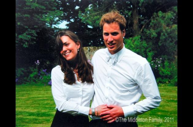 Kate Middleton y el príncipe Guillermo después de su graduación de St. Andrews U