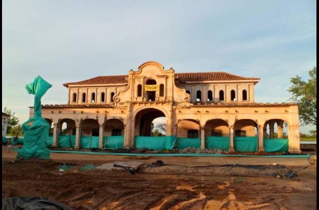 El antiguo mercado público de Mompox está abandonado y deteriorado.