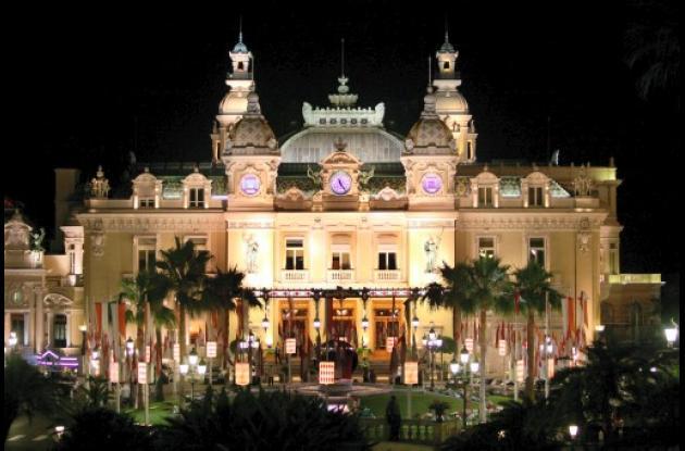 Mónaco se viste de gala por la boda de su mandatario, el príncipe Alberto II.