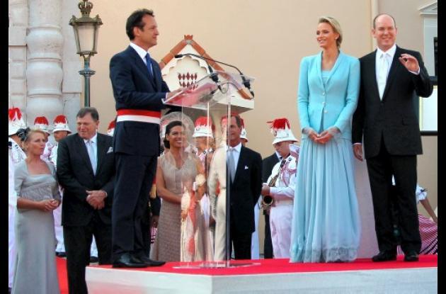 Mónaco respira tranquilo: por fin se casó el príncipe Alberto.