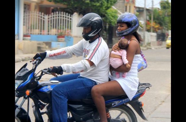 Mototaxismo niños cartagena