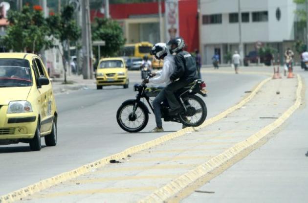 Motociclistas, sin control