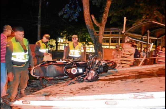 En el accidente de Unicórdoba murieron un caballero y una dama