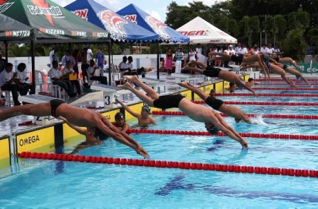 nadadores en festival de Cartagena