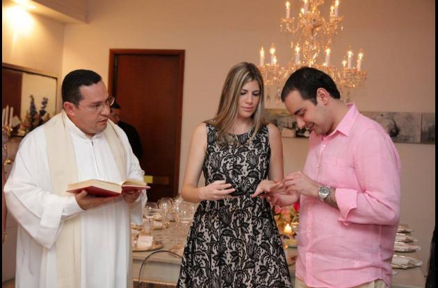 Compromiso matrimonial de Horario Serpa y Natalie Millán