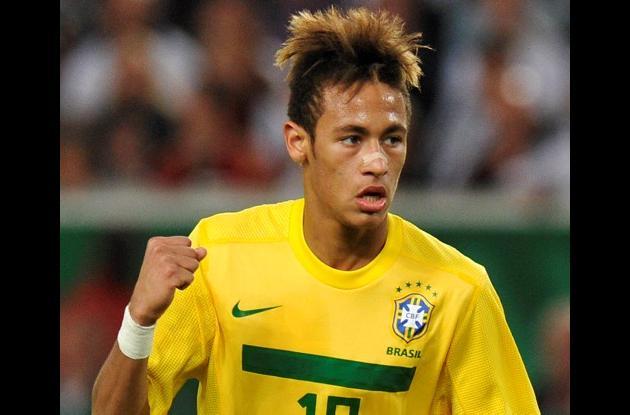 Santos no ha vendido a Neymar al Barcelona.