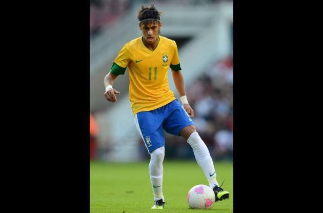 Neymar, jugador de fútbol de Brasil.