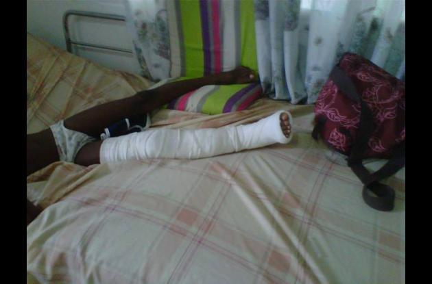 Wilfredo y su familia esperan que le puedan operar muy pronto su pierna y pueda