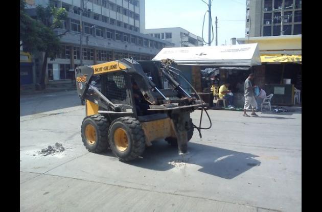 Se inician obras de recuperación en plazoletas Telecom y Olímpica de Cartagena.