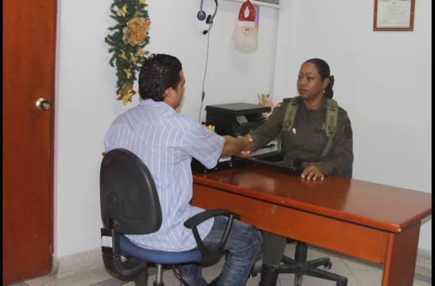 Policía Metropolitana recuerda servicios de Oficina de Atención Ciudadana.