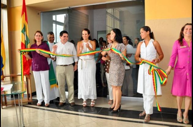 Distrito inaugura nuevas oficinas de impuestos distritales.