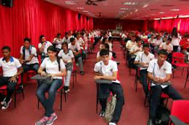 Cerca de 500 estudiantes participaron en olimpiadas matemáticas.