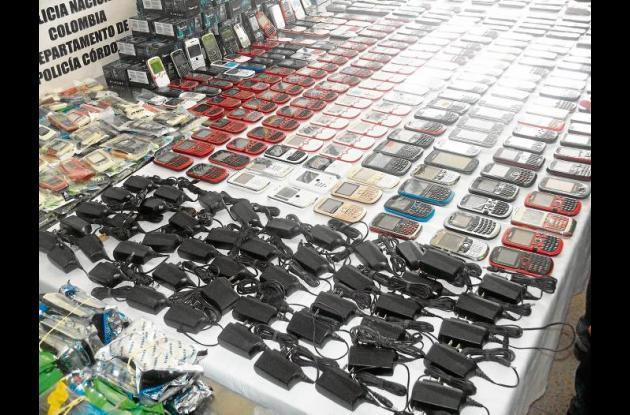En operativos contra el hurto, fueron incautados 647 celulares pro la policía.
