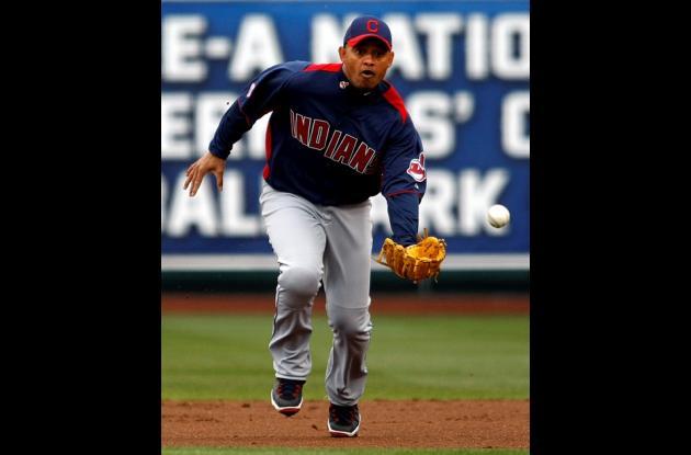 Orlando Cabrera debutó como segunda base con los Indios de Cleveland