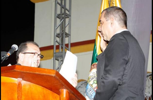 Ante el notario único de Arjona, Raimundo Herazo, tomó posesión el alcalde de Ar
