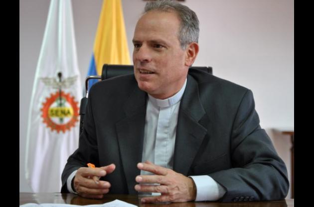 Padre Camilo Bernal, director del Sena.
