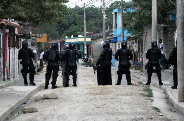 Toque de queda por presencia de pandillas origina toque de queda juvenil