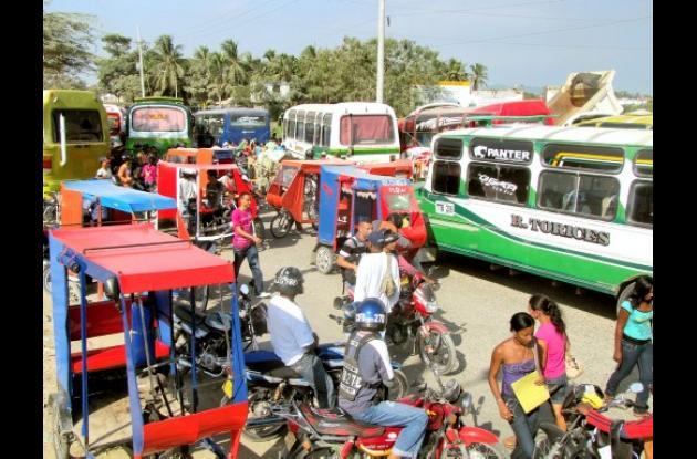 Protesta de comductores de buses de Olaya
