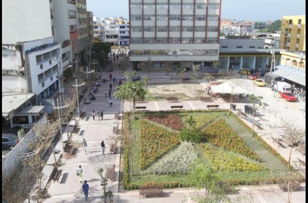 Avanza refacción de Plazoleta Telecom en Cartagena
