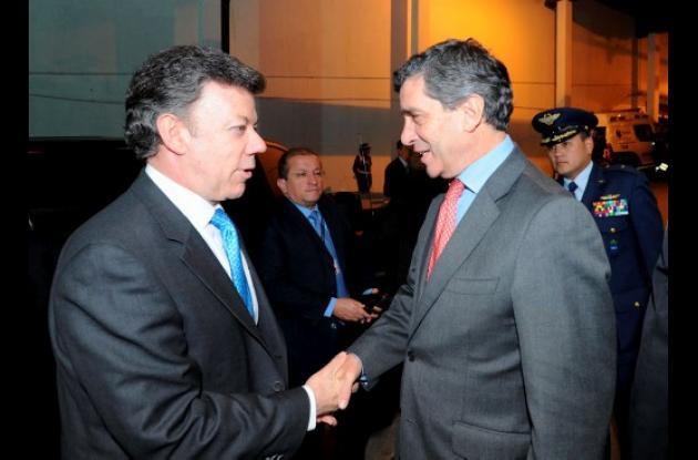 La asistencia de Santos al foro del Partido Liberal alborotó avispero político.