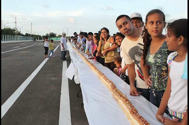 En Barranquilla se hizo perro caliente de 273.5 metros