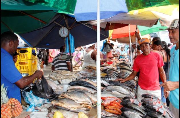 Vendedores de pescado consideran que las ventas estuvieron buenas.