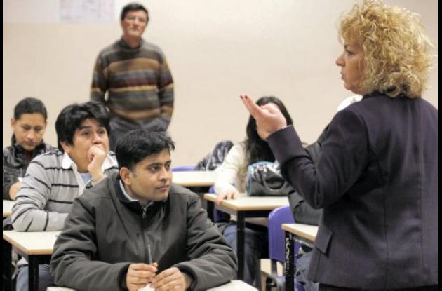 Europa exige a inmigrantes hablar idiomas del país donde quieran residir.