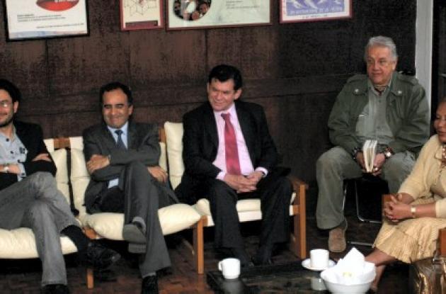 Tras el anuncio de liberaciones, se habla de proceso de paz.