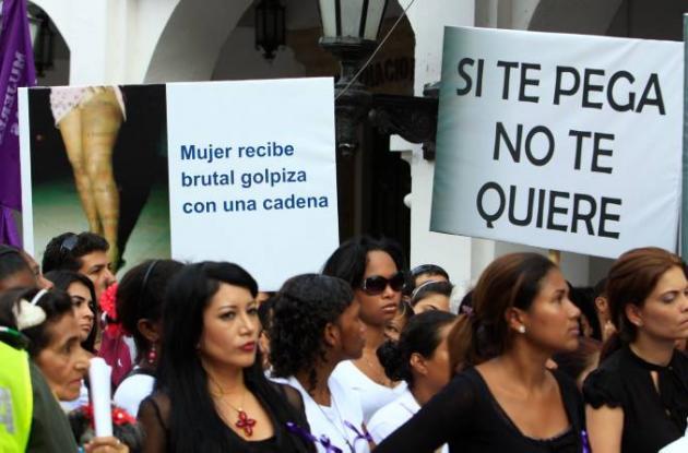 Planton contra la violencia a las mujeres