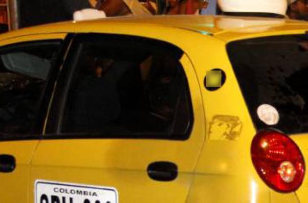 Restricciones a polarizado de carros en Colombia