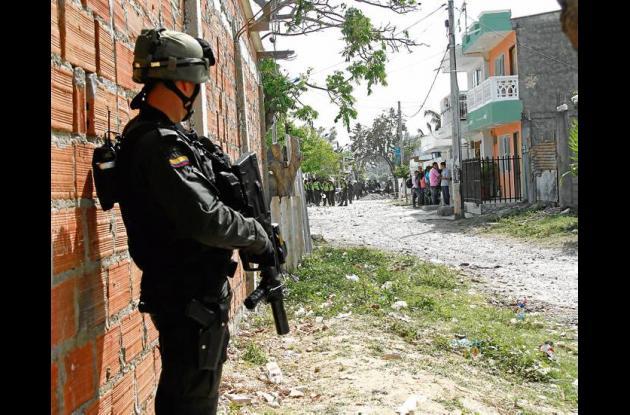 Gran cantidad de policías fueron desplegados al Callejón Unión del sector 11 de