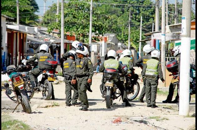 El sector Central del barrio Olaya Herrera se llenó de policías para evitar enfr