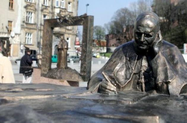Polonia se prepara para beatificación de Juan Pablo II.