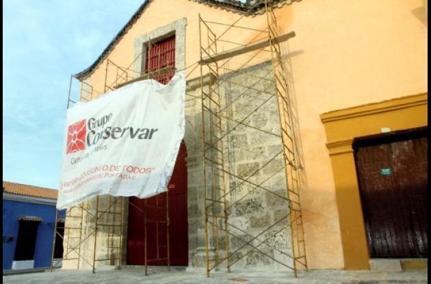 Grupo Conservar restaura portada de iglesia de San Roque.